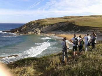 Periodistas irlandeses conocen los caminos de peregrinación de la región de la mano del Gobierno de Cantabria @cant_infinita