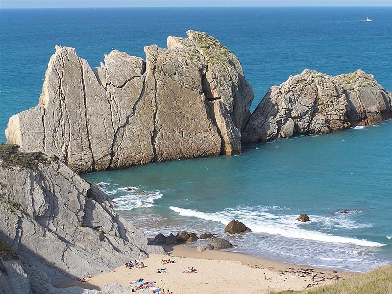 Resultado de imagen para Playa Covachos o La Arnía